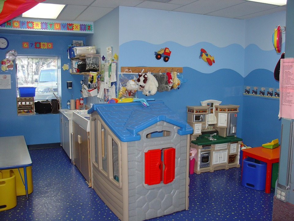 toddler-room-569199_960_720