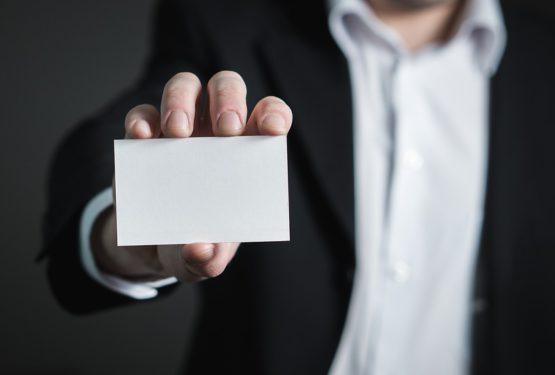 Les cartes de visite : support de communication essentiel pour les entreprises