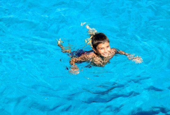Pourquoi inciter les enfants à la natation ?