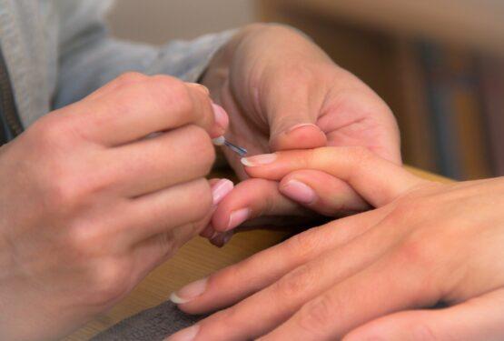 Ces mauvaises habitudes qui abîment les ongles